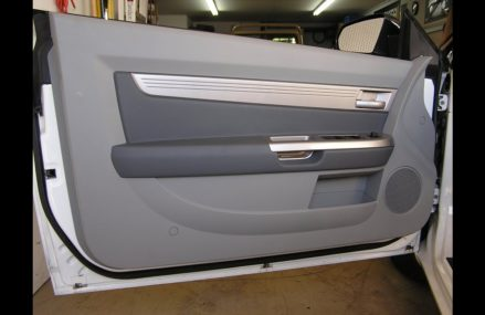 Dodge Stratus Driver Door at Oakdale 37829 TN
