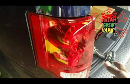 Dodge caravan and town and country tail lamp replacement in Marble City 74945 OK