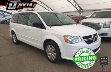Pre-Owned 2017 Dodge Grand Caravan | Davis Chevrolet | Airdrie AB Near Morrison 50657 IA