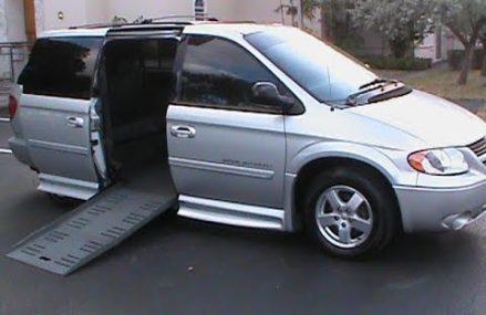 2007 Dodge Grand Caravan SXT BraunAbility Wheelchair Van Local Malta 60150 IL