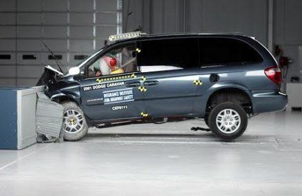 2001 Dodge Grand Caravan Moderate Overlap Crash Test [IIHS] (SECOND RETEST) Near Max 69037 NE