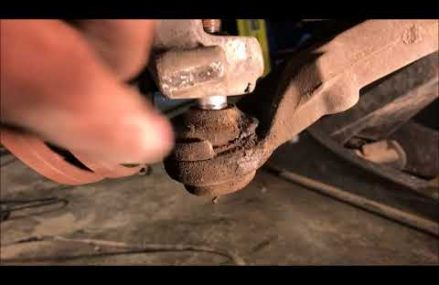 2005 Chrysler town and country lower control arm Local Mineral Wells 26121 WV