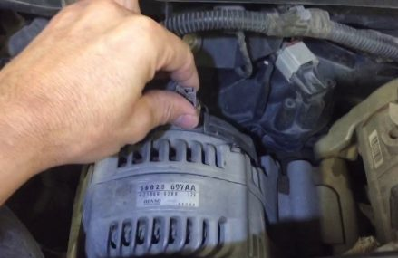 Dodge Caliber Alternator in Harlingen 78551 TX USA