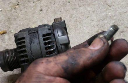 Dodge Caliber Alternator Removal at Dallas 75228 TX USA