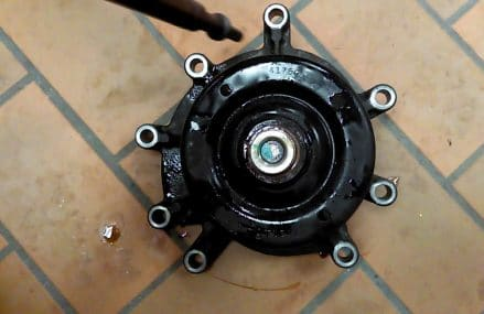 Tip for removing Dodge fan clutch from water pump Bridgeport Connecticut 2018