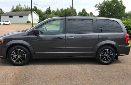 2016 DODGE GRAND CARAVAN R/T 4X4 @ EXPERIENCE HYUNDAI at New Richmond 45157 OH