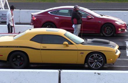 Tesla vs Dodge Challenger SRT – drag race at 79713 Ackerly TX