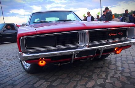 STUNNING 1969 Dodge Charger R/T 440 – AMAZING V8 SOUND!! Now at 60102 Algonquin IL