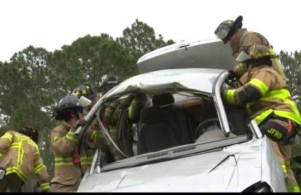 Dodge Caliber Door Hinge in Schwertner 76573 TX USA