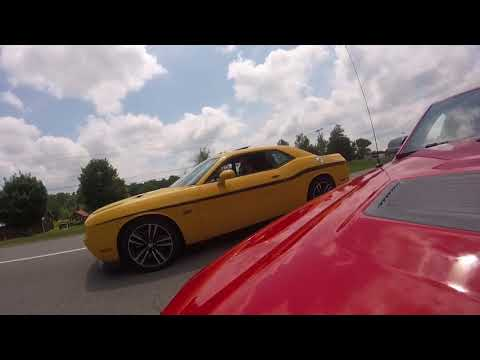 Dodge Challenger SRT8 392 vs Shelby GT500 Cobra 2019