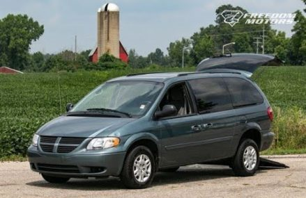 2005 Dodge Grand Caravan SE Freedom Motors Kneelvan 7 passenger Bucket Seats 3rd Row at Luverne 36049 AL