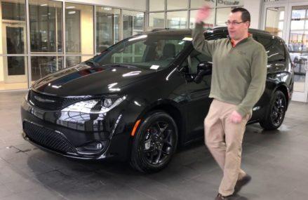 2018 Chrysler Pacifica at 78959 Waelder TX