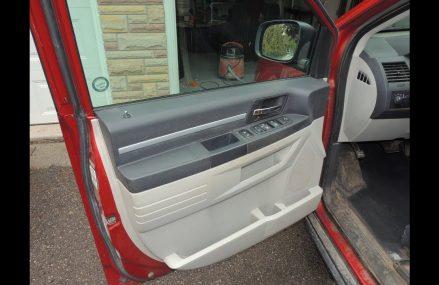 Remove The Door Panel Dodge Caravan / Volkswagen Routan 08 to Present in Loxley 36551 AL