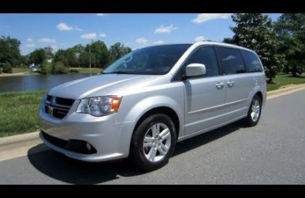 2011 Dodge Grand Caravan Crew Start Up, Engine, Test Drive and In Depth Review From Muskegon 49441 MI